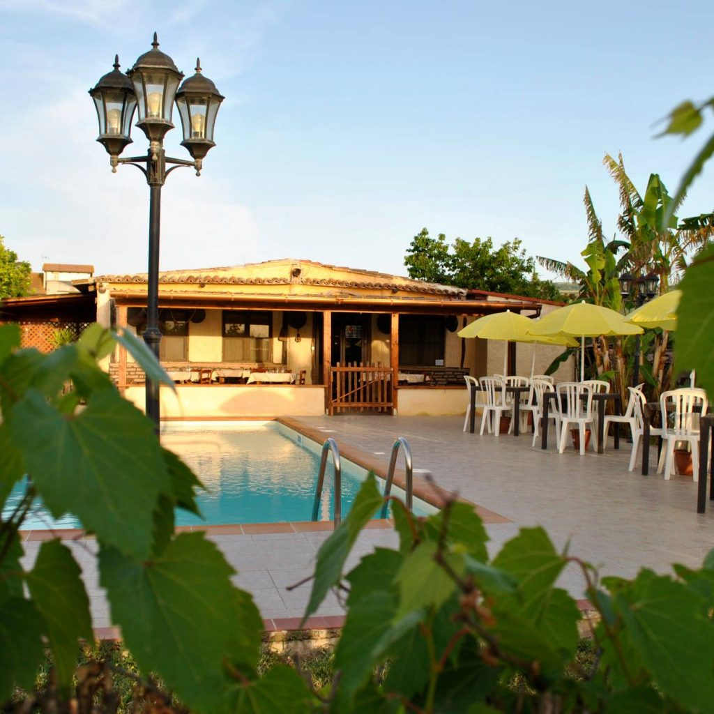ristorante-piscina-casa-del-contadino